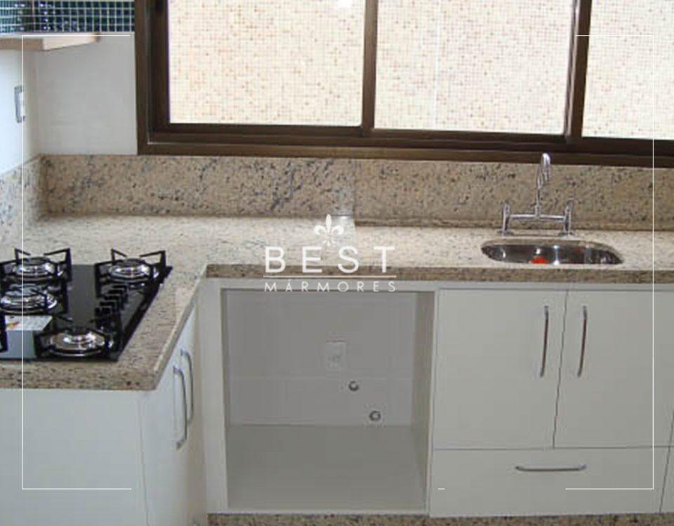 Pia de Cozinha em Granito Amarelo Icarai foto1