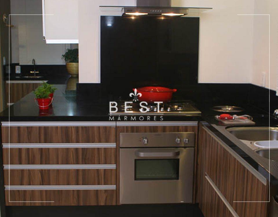 Pia de cozinha em granito preto absoluto foto 01