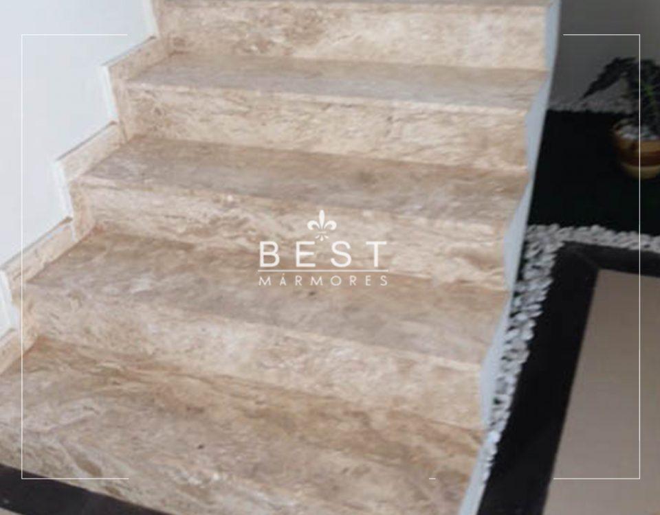 Escada em mármore travertino nacional 02